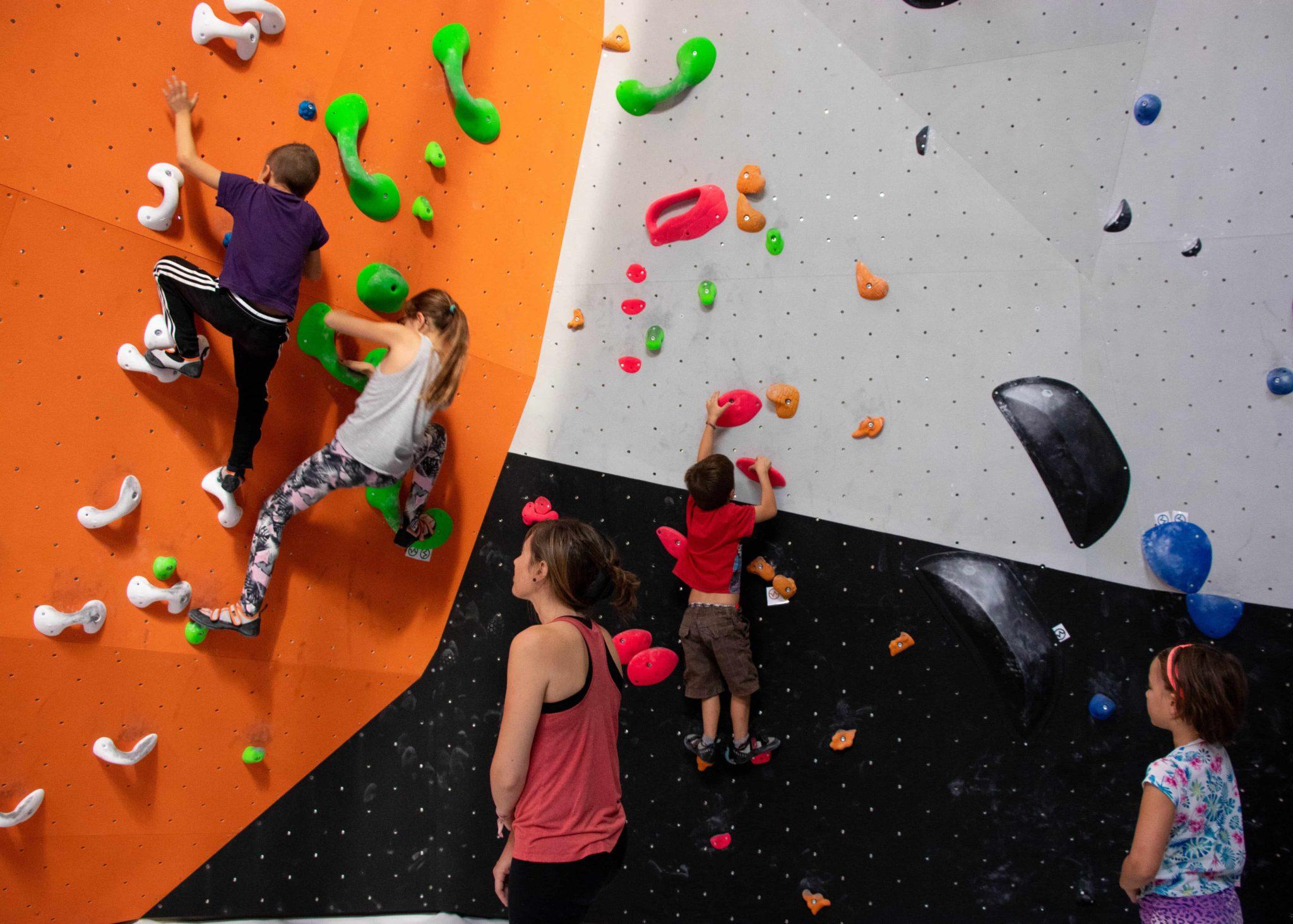Enfants Vertical'Art lyon - salle d'escalade - restaurant et bar - stage enfant et cours