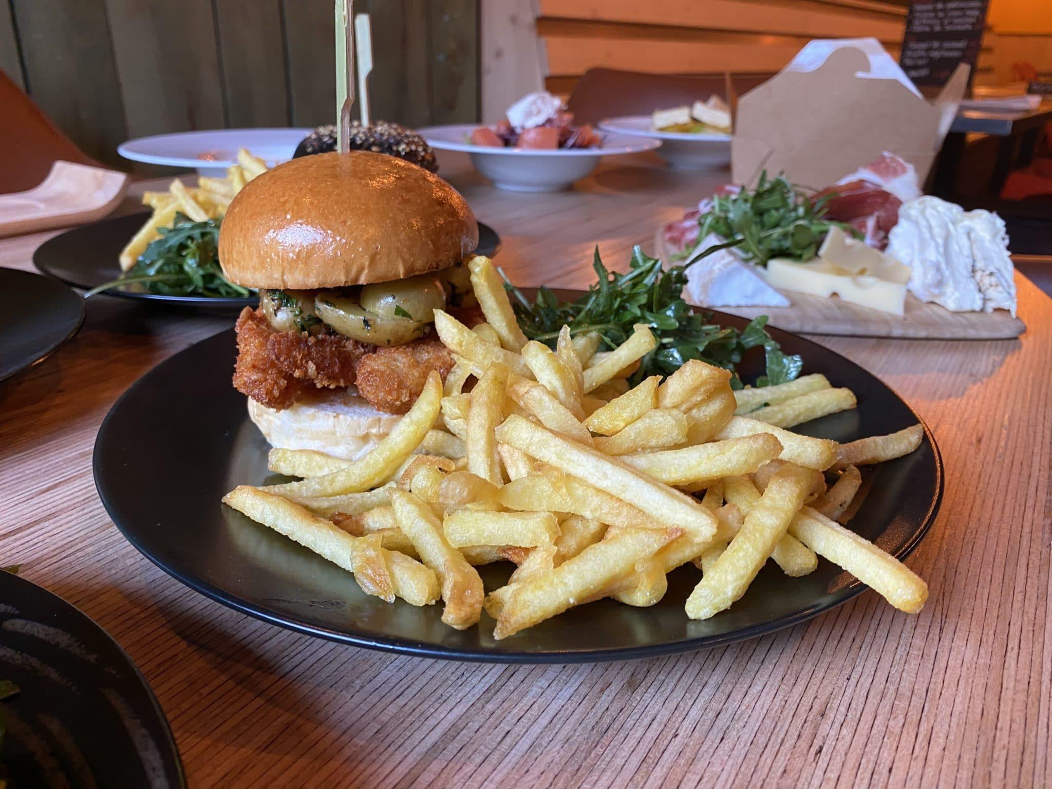 burger frites - fait maison - chef - Vertical'Art Lyon - produits frais - locaux - manger sain