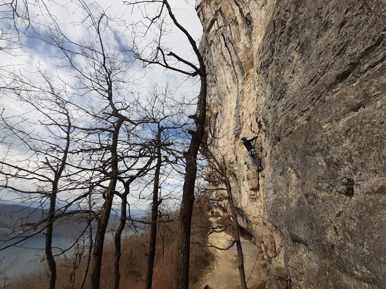 spots d'escalade en falaise autour de Lyon